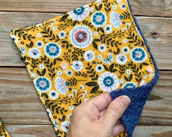 Wipes face cloths Towels Reusable yellow blue flowers  Set of 4