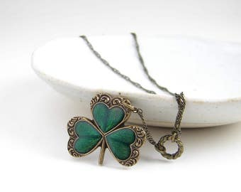 Shamrock Necklace ~ St Patrick's Day ~ Clover Necklace ~ Vintage Style Necklace ~ Lucky Charm ~ March ~ Kelly Green Clover