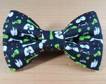 Spooky Eyes Halloween Durable Bow Tie Dog Cat Collar Washable