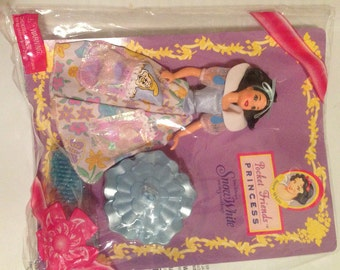 Vintage Disney Pocket Friend Snow White Doll Made in USA Original in Package Mint Condition FREE US Shipping