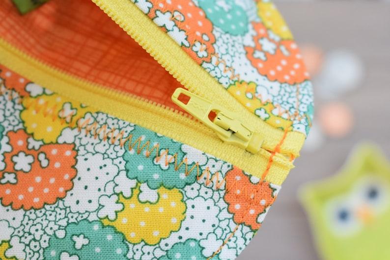 Kawaii Floral Teal Pattern Round Zippered EarbudCoin PouchPurse