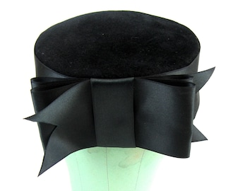 8cb5e936033 Vintage 1960s Black Felt Pilbox Hat 60s Jet black Wool Hat with Satin Bow  by Frank Olive