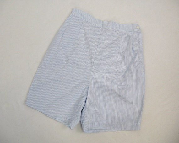 Vintage 1960s Blue and White Pinstriped Cotton Sho