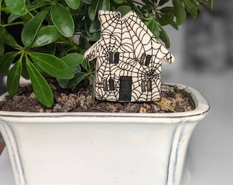 Haunted house plant stakes, Spooky Spider web plant accessory, Halloween creepy decor