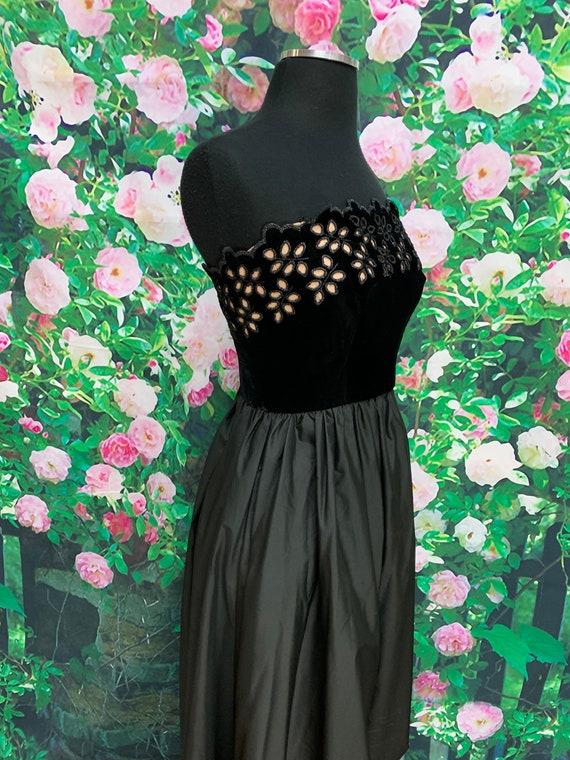 80s Harry Acton Black Velvet Strapless Dress Cuto… - image 7