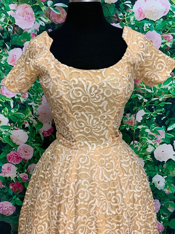 50s Suzy Perette Gold Party Dress Embroidered Flo… - image 3