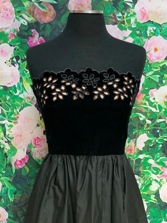 80s Harry Acton Black Velvet Strapless Dress Cuto… - image 3