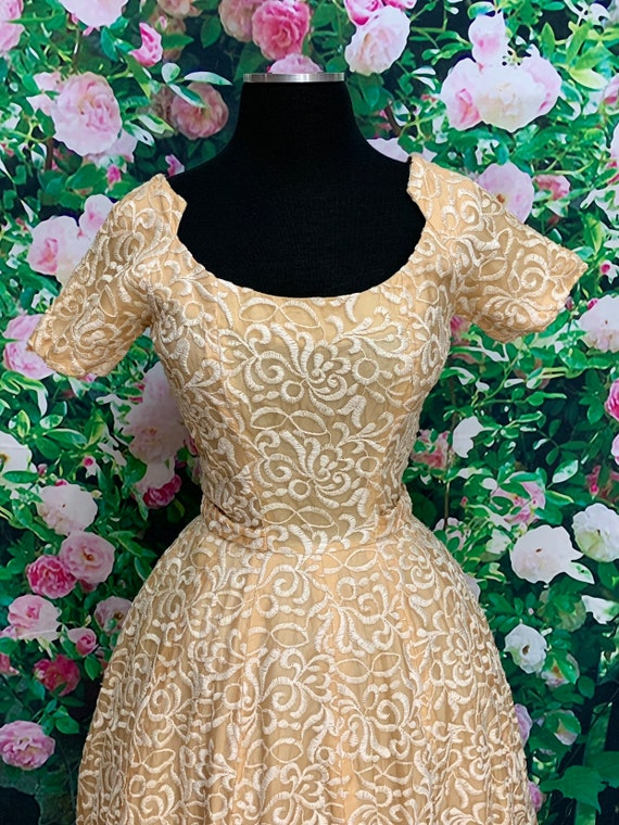 50s Suzy Perette Gold Party Dress Embroidered Flo… - image 4