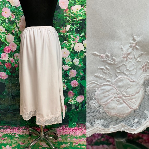 70s Sara Beth White Cotton Half Slip Embroidered Flowers