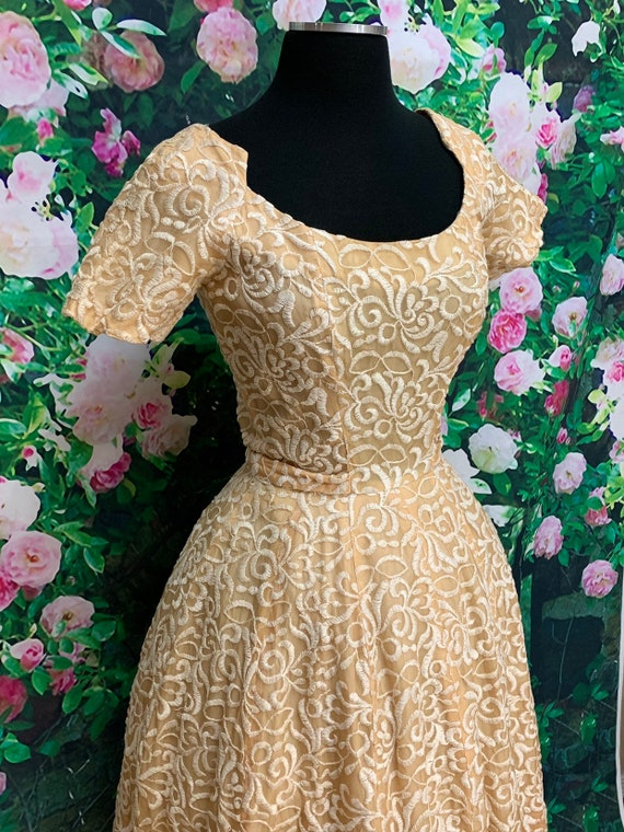 50s Suzy Perette Gold Party Dress Embroidered Flo… - image 5