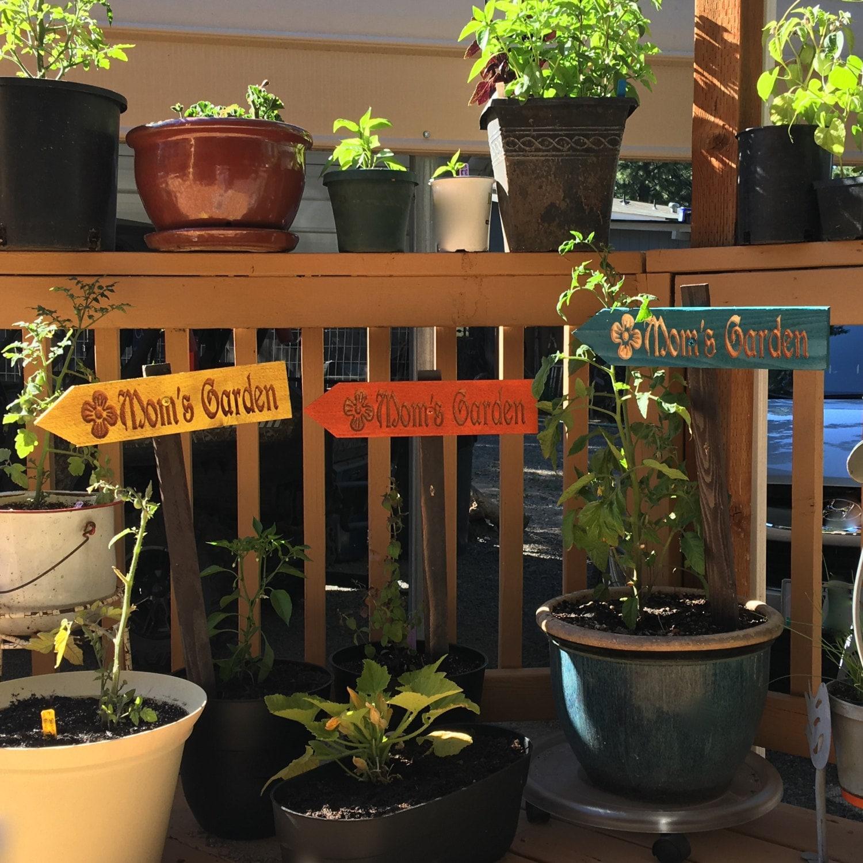 Mom\'s Garden Ornament Sign - Vegetable Fruit Herb Flower Mothers Day ...