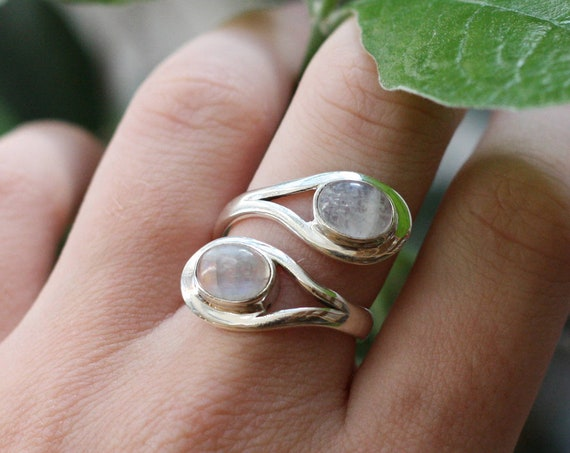ADJUSTABLE MOONSTONE RING - Statement Ring - Sterling Silver Ring - Healing Crystal - Crystal Jewellery - Moon Jewellery - Gift - One Size