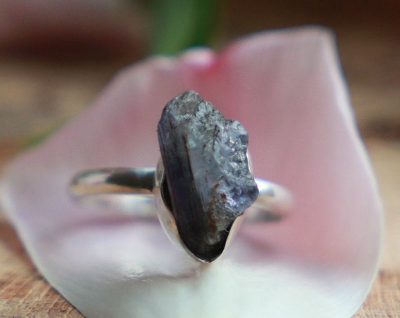 RAW TANZANITE RING - Gemstone Chip - Sterling silver  - 925 Unpolished Crystal - Organic Natural Crystal - Bohemian Rustic Healing Crystal