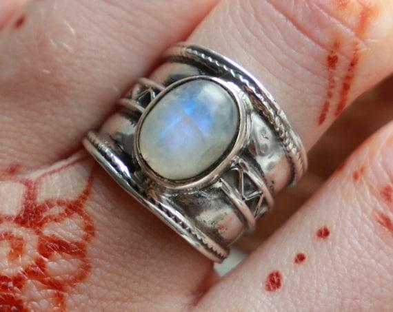 ETHNIC MOONSTONE RING - 925 Sterling Silver - Adjustable ring - Oxidised Ring - Birthstone - Crystal - Gemstone - Moon Jewelry - Unisex ring