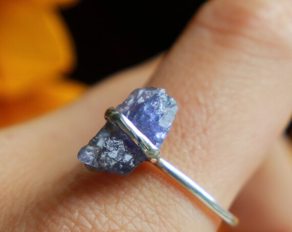 RAW TANZANITE RING - Gemstone Chip - Sterling silver  - 925 Unpolished Crystal - Organic Natural Crystal - Bohemian Rustic Healing Crystal