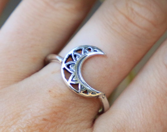 MAGIC MOON RING - One size - Sterling silver ring - MoonChild - Crescent Moon - Moon Jewelry - Divine Feminine Jewellery - Mandala - Galaxy