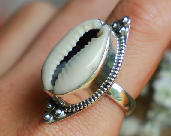 INDIAN COWRY RING - Sterling Silver Cowrie Shell - Abundance charm - Good luck symbol -