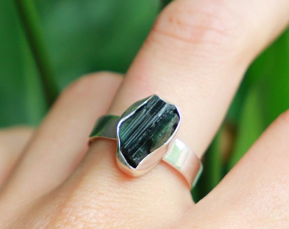 RAW MOLDAVITE RING - Rare High Frequency Crystal - Sterling silver 925 - Unpolished Natural Rough Gem - Organic Crystal - Raw Jewellery Gift