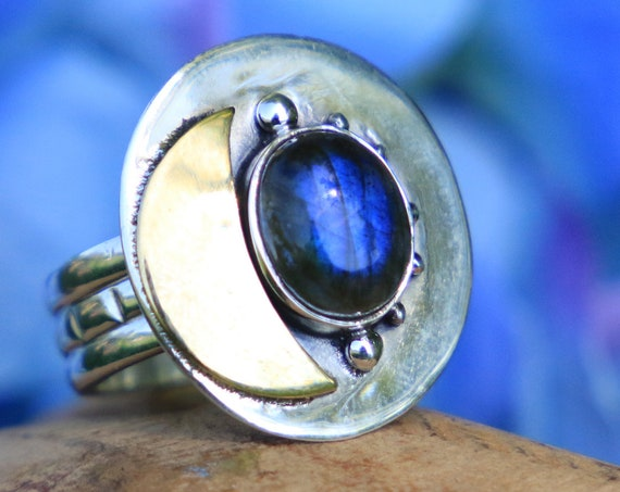 LABRADORITE MOON RING - Unique Sterling Silver Ring - Magic Moon Ring - Brass Moon - Moon jewellery - Healing Crystal Chakra Ring - Galaxy