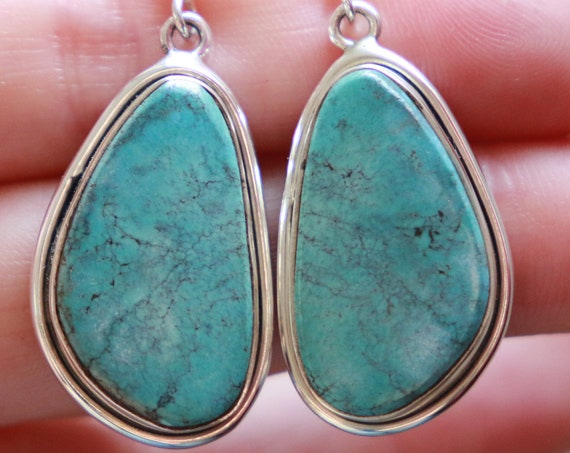 ARIZONA TURQUOISE EARRINGS - Rare Blue Turquoise - 925 Sterling Silver - Navajo - Handmade - Natural Crystal - Native american style earring