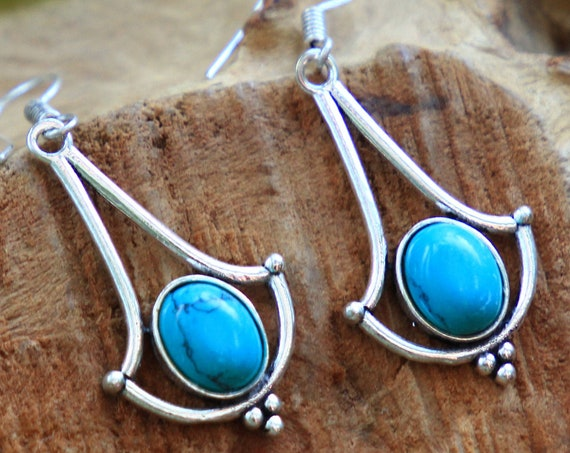 TURQUOISE DANGLE EARRINGS - Vintage style Earrings - Silver Plated Healing Crystal Jewellery - Gemstone Dangle Earring - Unique Crystal gift
