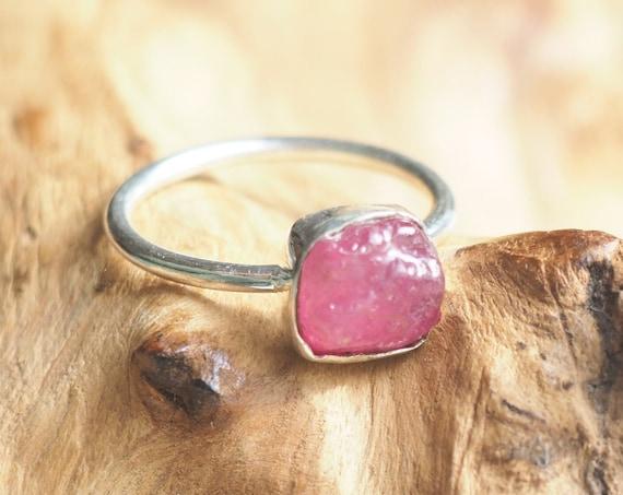 NATURAL RUBY RING - Elegant stack ring - Sterling silver 925 - Unpolished Raw Crystal - Natural Gemstone - Rough Organic Crystal - Minimal