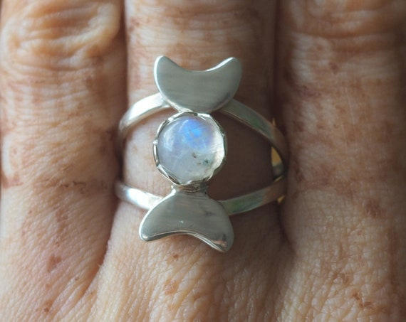 TRIPLE MOON GODDESS - Sterling Silver Ring - Moonstone - Moon Jewellery - Gemstone - Crystal Moon - Adjustable Ring - Halloween Jewelry