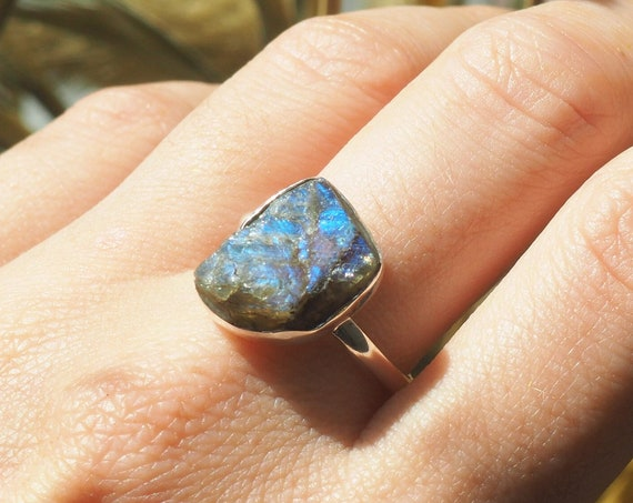 RUSTIC CRYSTAL RING - Labradorite Stack Ring  - Sterling silver - Natural Rough Gemstone - Raw Organic Crystal Gift - Glow Crystal - Witch