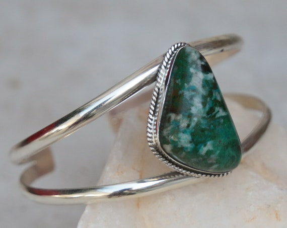 CHRYSOCOLLA NAVAJO CUFF - Adjustable - 925 Sterling silver bangle - Turquoise bracelet - Crystal - Antique style  - Bespoke - Gesmstone