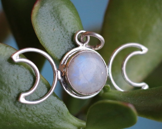 TRIPLE MOON GODDESS - Moonstone Necklace - Moon Jewellery - Birthstone - Gemstone - Horoscope - Crescent Moon - Healing Crystal - Bespoke