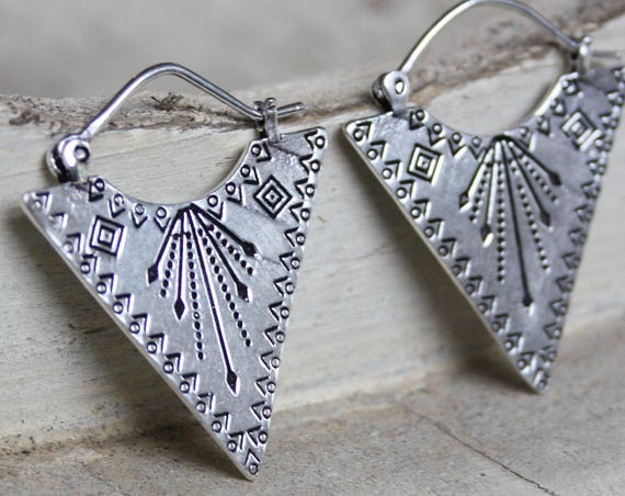 AZTEC STAMPED EARRINGS -Navajo- Tribal jewellery- Sacred Geometry - Lotus Flower- Silver Plated - Gift Set- Flower earrings