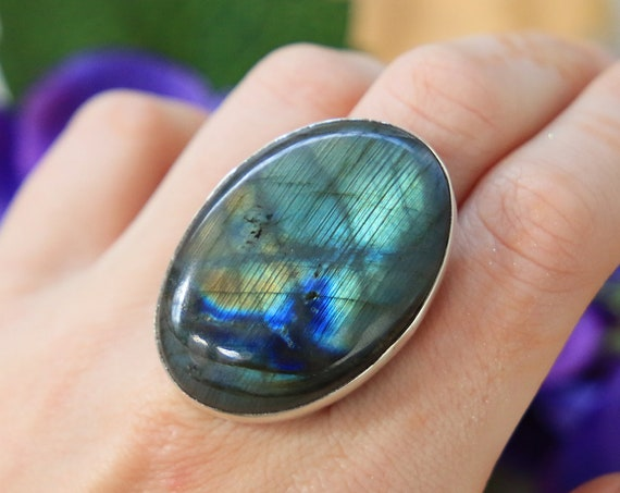 XL LABRADORITE RING - Sterling Silver statement ring - Healing Crystal - Gemstone - Rainbow - Iridescent - Glowing Ring - Chakra Jewellery