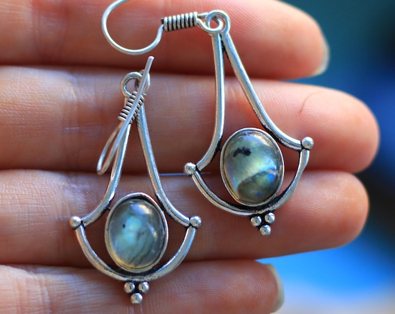 AMAZING LABRADORITE EARRINGS - Glowing Silver Plated Earrings - Healing Crystal Jewellery - Moon Jewelry - Dangle earring - Vintage - Rare