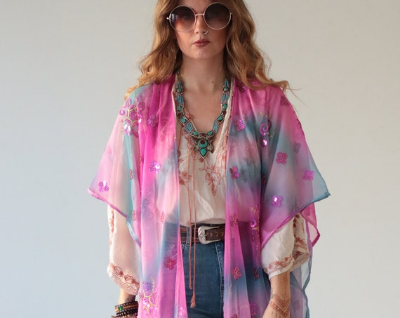 EMBELLISHED INDIAN KIMONO - Bright pink - Vintage - Up-cycled kaftan - Festival - Summer - Vacation - Holiday - Boho - Wedding - Eco fashion