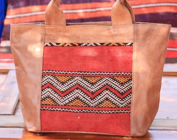 HANDMADE KILIM HANDBAG - Vintage Kilim Carpet Bag - Moroccan Purse - Up-cycle Bag - Recycled Leather - Shoulder Bag - Bohemian clutch bag