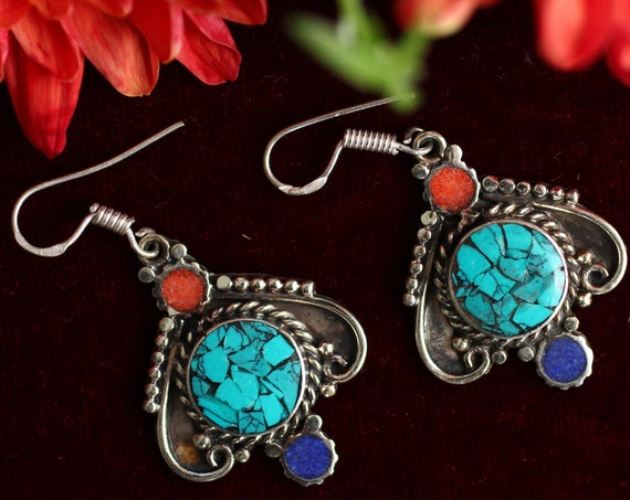 VINTAGE NEPALESE EARRINGS - Handmade Nepali earrings - Tibet - Coral & Turquoise Chip - Indian - Moroccan Mosaic - Ethnic Style Jewery