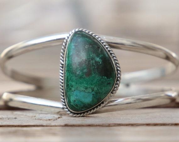 CHRYSOCOLLA ADJUSTABLE BANGLE - 925 Sterling silver bangle - Turquoise bracelet - Crystal - Antique style  - Bespoke - Gesmstone