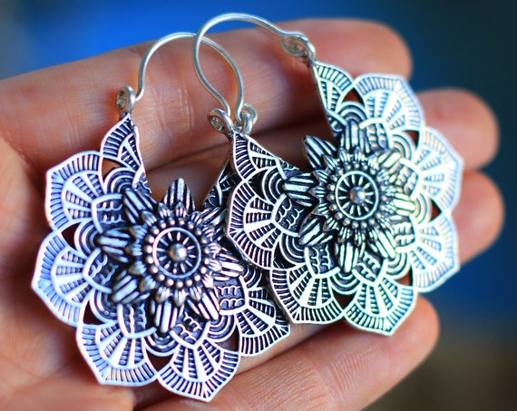 LOTUS FLOWER EARRINGS - Indian Style earrings - Ethnic jewelry - Tribal - Antique Silver - Sacred Geometry - Lotus - Flower of life - Hippie