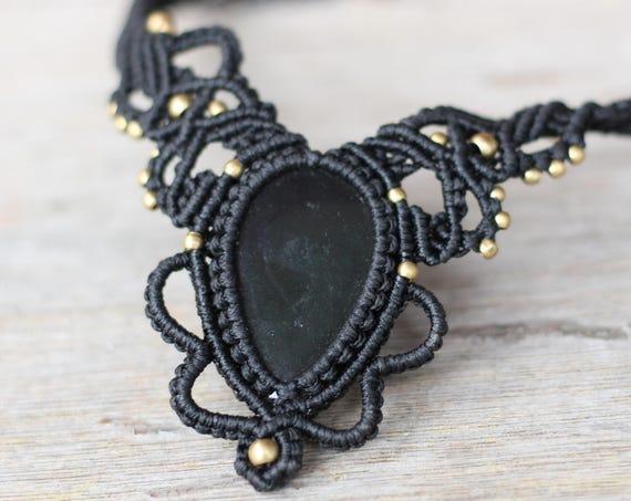 MACRAME CHOKER NECKLACE- Statement Macrame Necklace- Limited Edition- Macrame Choker- Crystal Necklace- Handmade -Healing Crystal