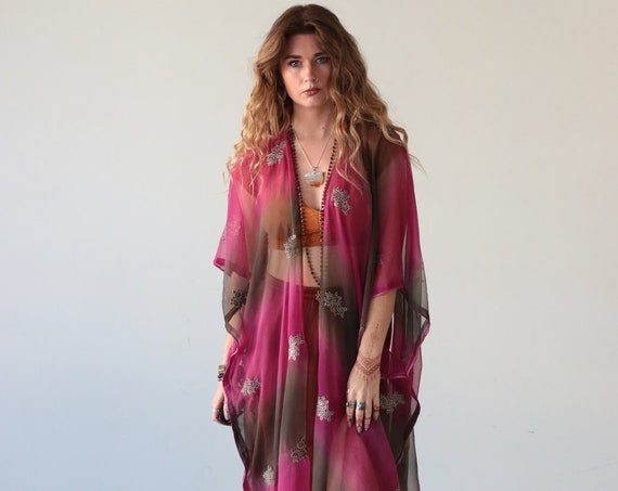 EMBELLISHED INDIAN KIMONO - Grey Pink Silk - Vintage - Up-cycled kaftan - Festival - Summer - Vacation - Holiday - Boho Wedding - Cover up