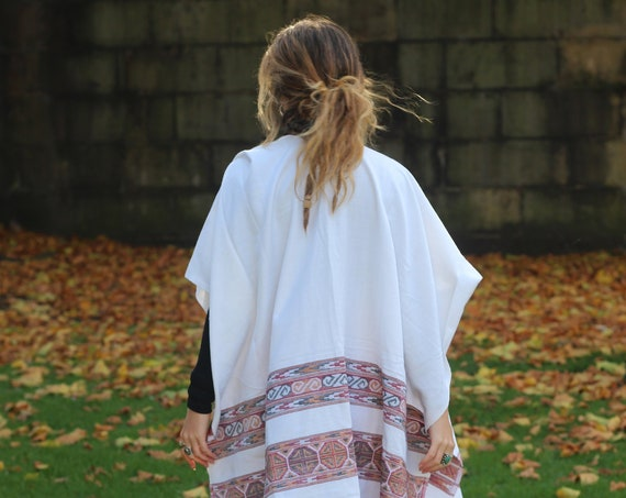 RUBY SPARROW CAPE - Autumn / Fall Kimono - Winter Scarf - Blanket - Blanket scarf - Unisex - Shawl - Aztec - Oversized Cotton Scarf