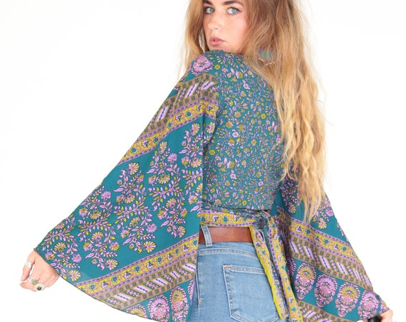 STEVIE NICKS TOP - Bell sleeve top - Crop Top - Vintage - Festival - Hippie - Retro - 70s - 60'S - Recycled Silk - Kimono - Cape - Shawl
