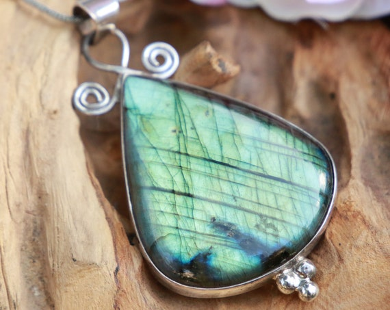 XL LABRADORITE NECKLACE - Statement Crystal Necklace - Sterling Silver - Iridescent - One of a kind - Reiki - Magic - Boho - Throat Chakra