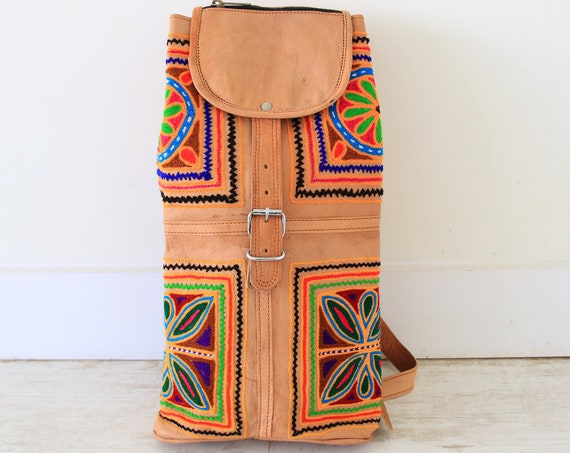 VINTAGE LEATHER BACKPACK - Embroidered ethnic bag - Hippie rucksack - Boho handmade festival bag - Aztec rucksack - Indian - Satchel Bag