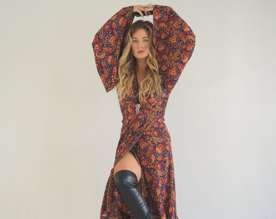 PAISLEY FLEETWOOD WRAP - Wrap around dress - bell sleeve Kimono - Maxi summer dress - Stevie Nicks Style - Floaty Vintage Gunne Sax - Silky
