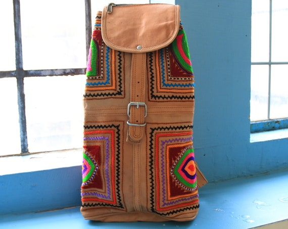 VINTAGE INDIAN BACKPACK - Embroidered Leather bag - Hippie Ethnic rucksack - Boho handmade bag - Festival - Aztec rucksack - 60's 70's Style