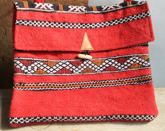 HANDMADE CARPET BAG - Vintage Carpet - Kilim Rug - Moroccan bag - Up-cycled satchel - Recycled Shoulder bag - Student - Eco Friendly bag