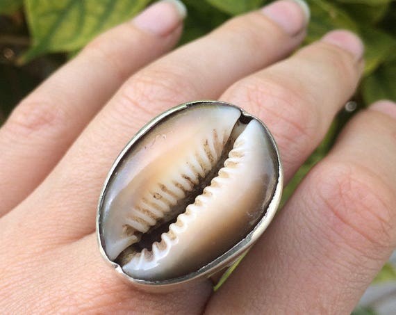 STATEMENT SHELL RING - Sterling Silver Ring -  Cowrie jewellery - Extra Large - Cowry shell - Fossil - Natural - Beach - Nature jewelry Gift