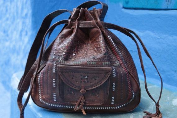 LEATHER BUCKET BAG - Vintage Shoulder bag -  Hand tooled bag - Satchel - Bespoke - Autumn - 70's - 60's - Fall - Bohemian - Hippie - Stamp