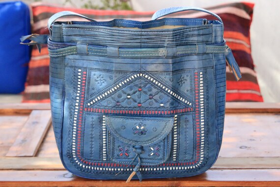 RARE BLUE HANDBAG - Vintage Shoulder bag - Vintage Leather Purse - 70's 60's Folk - Boho Handbag - Tooled Bucket Bag - Festival Fashion